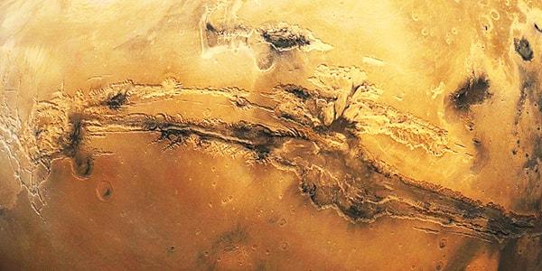 долина маринер тектоническая трещина