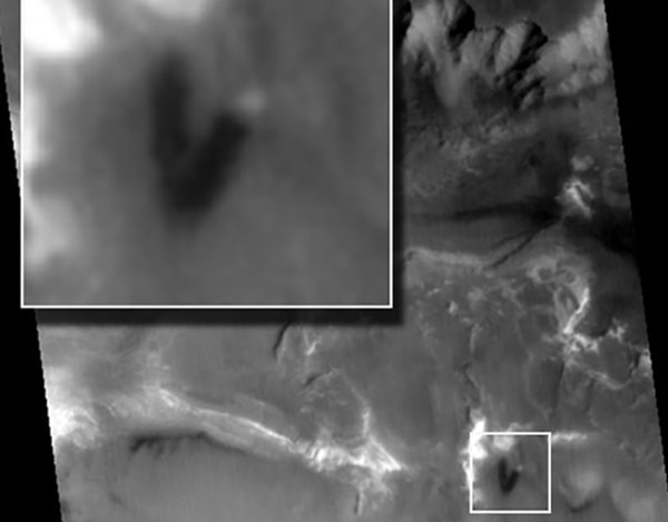 монолит на марсе