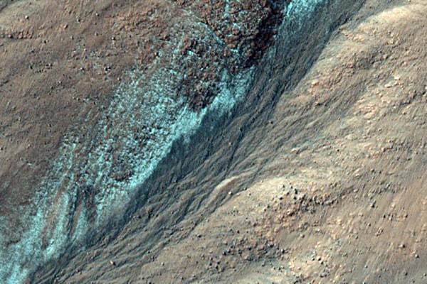 слой в кратере колумбиса