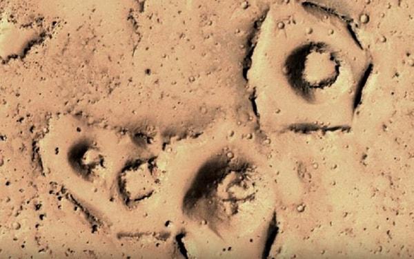 куполообразные образования на марсе