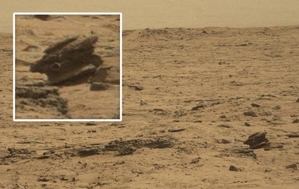 необычный объект на поверхности Марса