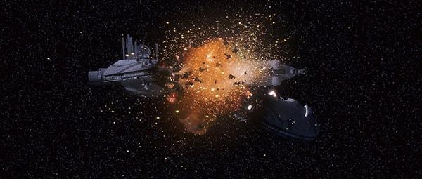 корабль пробил метеор